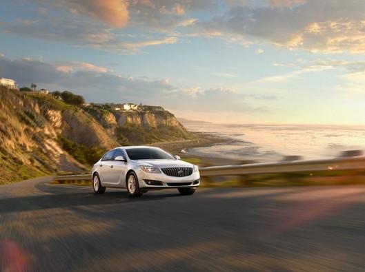 2015-buick-regal-model-overview-exterior-938x528-15BURE00022_V3_938x528
